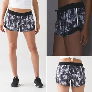 Lululemon | Hotty Hot Short (Long) Mini Obscurred